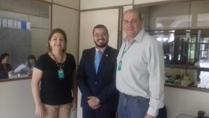 Elvennis Ennis, do CAP/SED; Carlos Nascimento, presidente da Comissão Eleitoral da OAB/MS; e Alfredo Anastácio Neto, coordenador de Políticas Específicas para a Educação da SED.