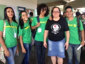 A coordenadora Eliana, com a camiseta da FECCAT.